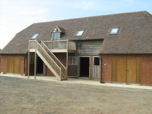 Foaling stable Block with accomodation over